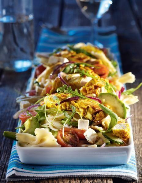 Feta-avokado-pastasalaattia ja broileria | Salaatit | Pirkka