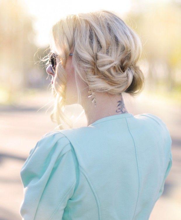 22 Straightforward Hair Tutorials & DIY Hairstyles