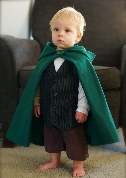 I think I'll make my littlest one a hobbit for Halloween. Little Boy Costumes, Baby Halloween Costumes, Baby Costumes, Fall Halloween, Happy Halloween, Halloween Party, Baby Kostüm, Baby Love, Hobbit Costume