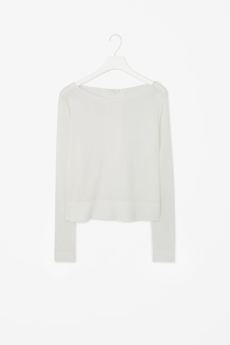 pleated back top