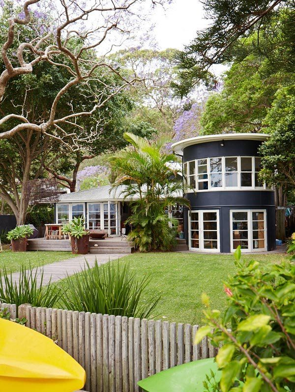 We can't have this at our Mullumbimby house (can we?) but we LOVE it! We like the colours....