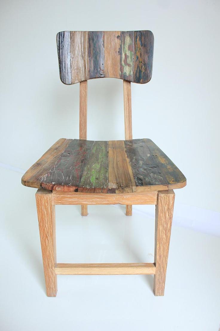 Retro Chair  www.2madison.com  Kursi rustic yang terbuat dari kayu jati daur ulang ini akan memberikan aksen pada ruangan yang paling simpel sekalipun, terlebih bila Anda tepat memadukannya dengan koleksi sejenis.  Designer : Madison  Collection : The Soho Series