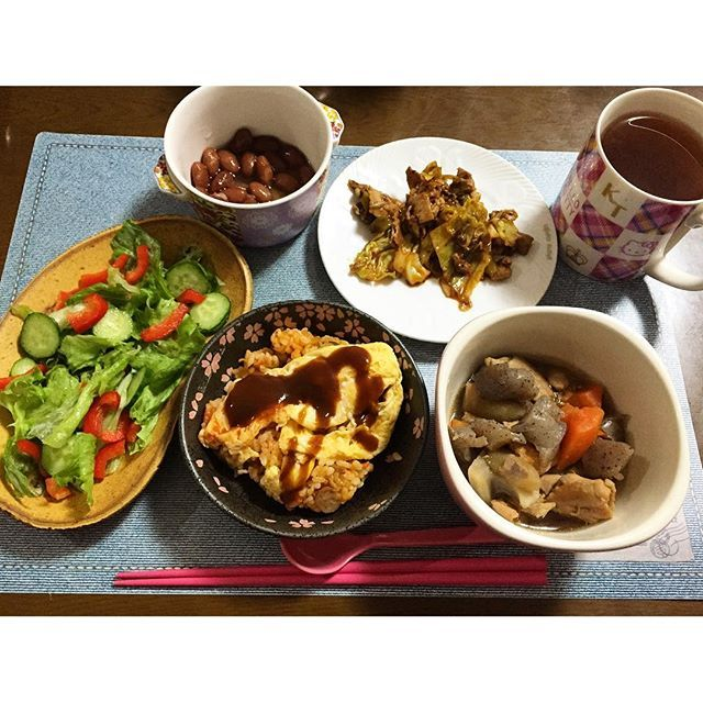 taachan1132016.3.11 少し遅めの夜ごはん。 寒い日はお風呂で芯まで温まりましょう。今日もお疲れ様でした。  #夜ごはん #夕ご飯 #夕食 #おうちごはん  #うちごはん #晩御飯 #dinner  #オムライス #いり鶏 #回鍋肉 #金時豆  #健康茶 #残り物処理班