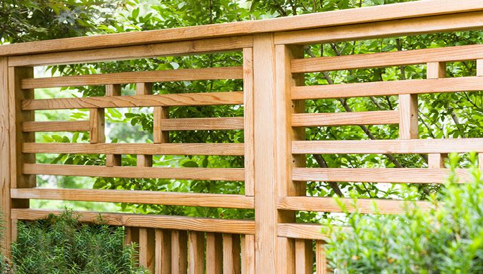 Saw this in a Lowes Creative Ideas magazine. Showed to hubby and we are going to try it out to do an L-shaped screen around our outdoor grill.  Going to work on it this summer!.  Outdoor Privacy Panel