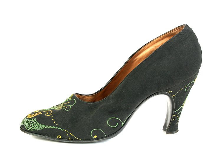 1930s | Arcando | Black Satin High Heel Shoes, Decorated with Embroidery.