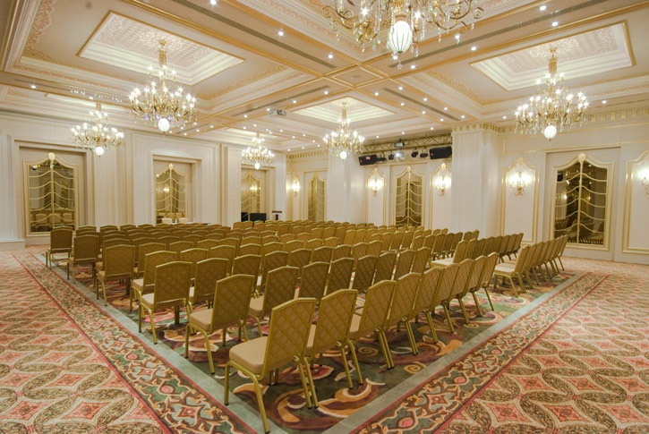 Elite World İstanbul Hotel is designed as to host business meetings and social organizations, For these purposes 9 different meeting rooms with a total capacity of 1200 people and one of which is allowing day light exist within the hotel.   http://eng.eliteworldhotels.com.tr