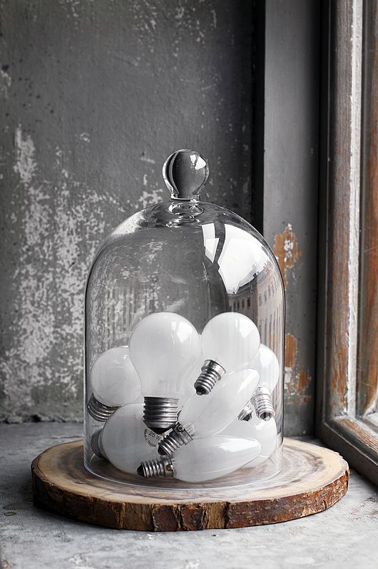 light bulbs as decor