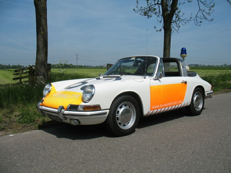 Porsche 911 Targa - The seventies dutch highway police car.