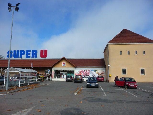 Supermarket SUPER U.  Open also on Sunday mornings!!   Tannay, 0 Avenue de la Fringale, 58190.  Telefoon:+33 3 86 29 30 65  Lundi : 08h30 à 12h30 et 14h15 à 19h00 Mardi : 08h30 à 12h30 et 14h15 à 19h00 Mercredi : 08h30 à 12h30 et 14h15 à 19h00 Jeudi : 08h30 à 12h30 et 14h15 à 19h00 Vendredi : 08h30 à 19h00 Samedi : 08h30 à 19h00 Dimanche : 09h00 à 12h30