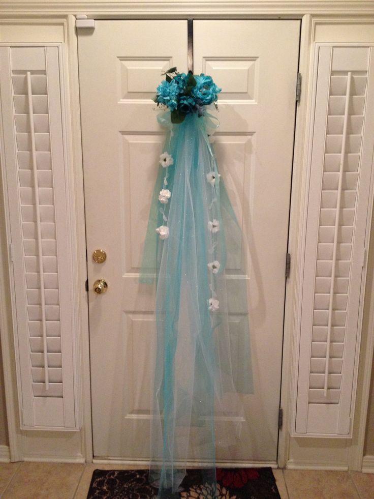 Bridal shower door decorations bridal shower door for Bathroom door decoration ideas