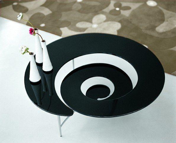 Italienische Designermöbel U2013 Interessant Gestalteter Glastisch In Spiralform