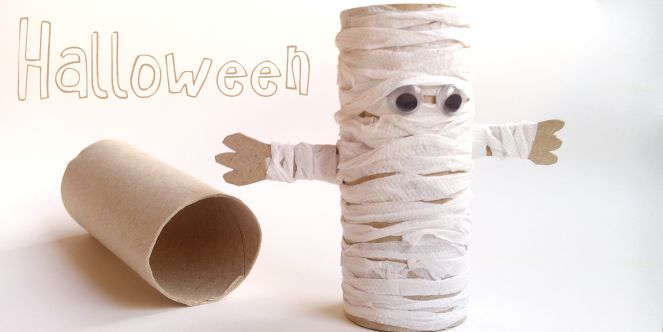 Toilet Paper Roll Mummy. Great for a #Halloween #DIY #Craft. Written in Spanish but a great tutorial video for guidelines.