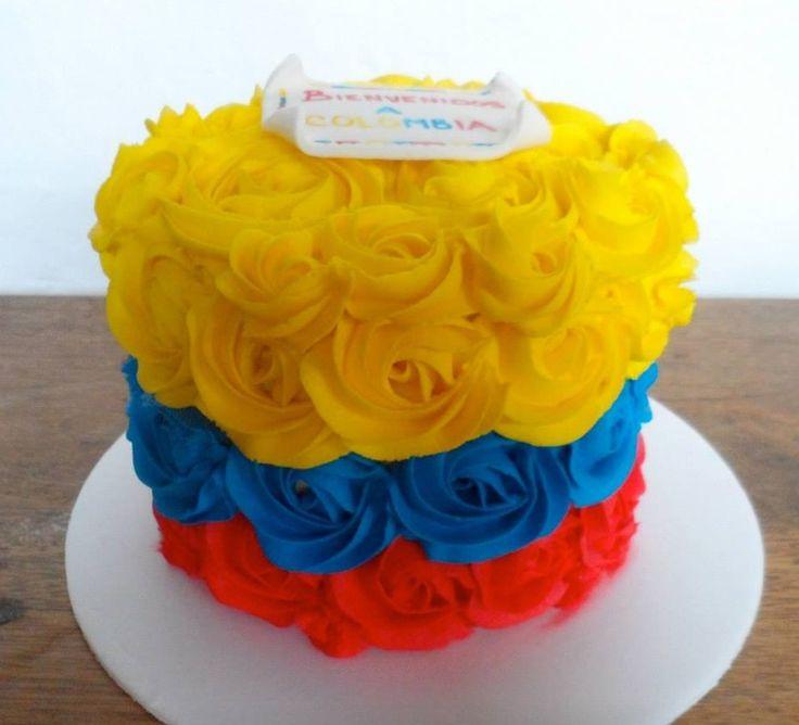 Torta decorada con los colores de la bandera Colombiana. #FiestaColombiana