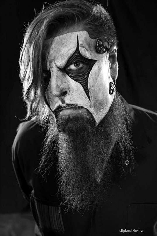 Slipknot / Metal / Rock / Music Bands / Photography // ♥ More at: https://www.pinterest.com/lDarkWonderland/