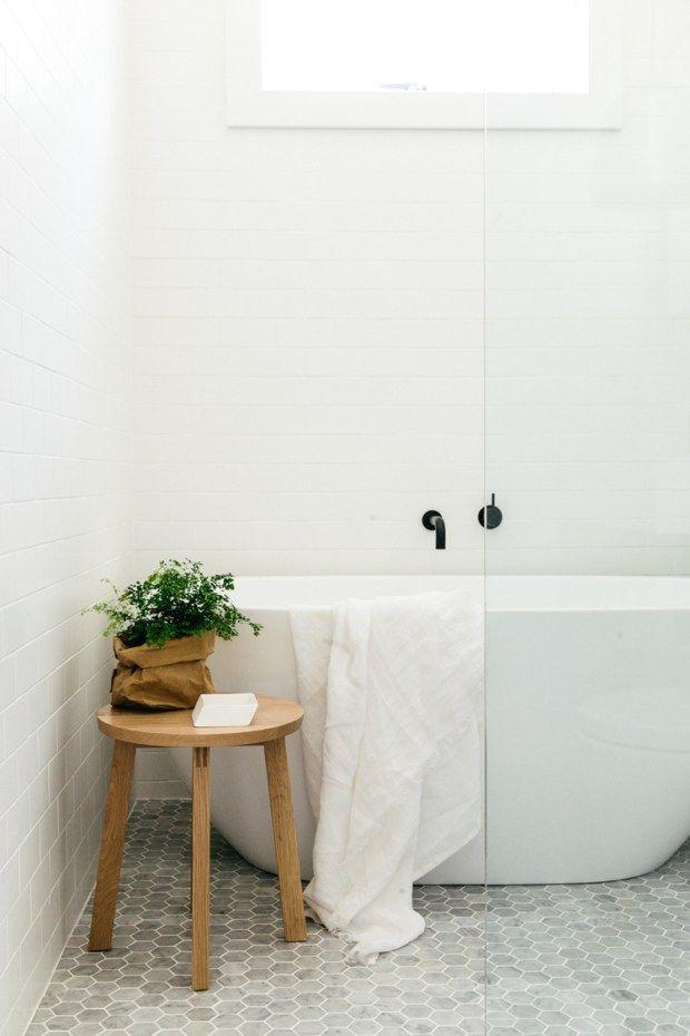 Badekar dusjvegg