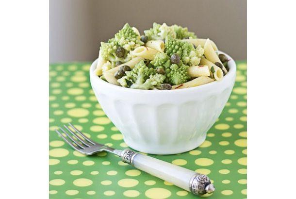 うまそなレシピ見つけたよ。「ロマネスコのパスタサラダ」 | roomie(ルーミー)