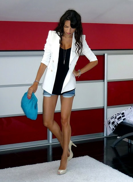 white blazer, shorts, color ...this is so cute!