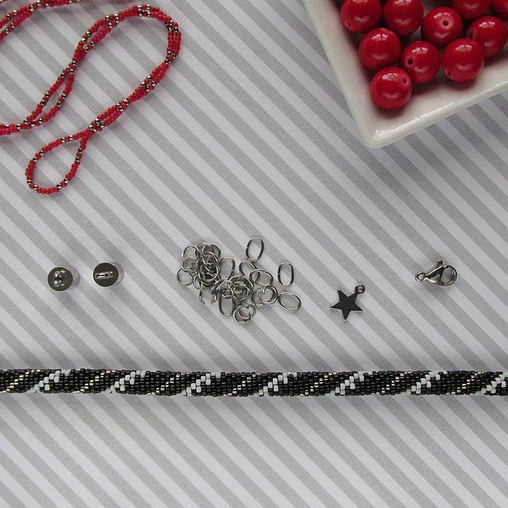 We on Facebook: http://ift.tt/2jRHDjd Beautiful Beaded Jewelry #underbeads by @underbeads Check our #AmazingPhoto WEBSTA: Trochę czerwieni  #wtrakciepracy #jadeit #sznurszydelkowokoralikowy #sznurkoralikowy #biżuteria #bizuteriaartystyczna #biżuteriahandmade #rękodzieło #rekodzielo #ręcznierobione #rękodziełokwitnie  #beadcrochetrope #beadcrochet #beadwork #beadjewelry #jewelry #jewellery #beadwork #handmade #poloshhandmade #handmadejewelry #artjewelry #art #passion #slowlife…