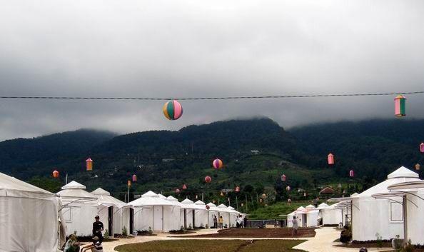 Tenda Mongolia, Bogor.  http://www.eblo.co.id/review/pengalaman-menginap-di-tenda-mongolia/9o4G3NngTRI6PdbgUsML671Ovlptku63IKIrFYNeEWk.