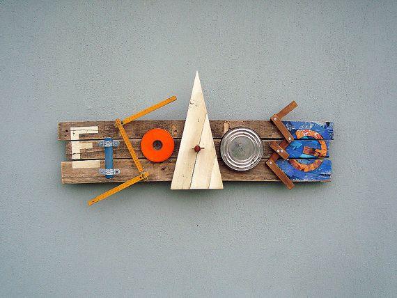 Eingang Ausgangsschild. Paletten Holz Fundstücke Gefüge von objecta
