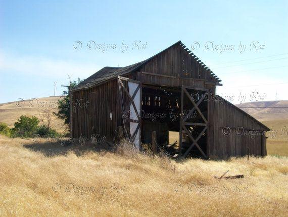 U.S.A. Scenery  Barn on the Prairie