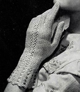 Fair Lady Gloves crochet pattern from The Magic of Crochet, originally published by Spool Cotton Company, Book 168, in 1941.