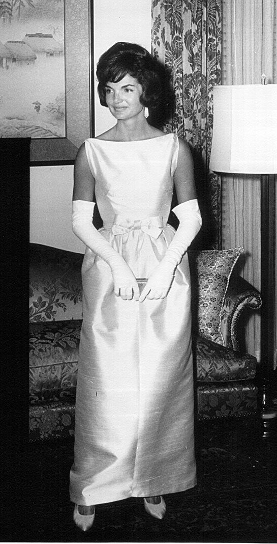 Jackie Kennedy wearing a dress Oleg Cassini; June 22, 1961, during a ceremony at the White House.