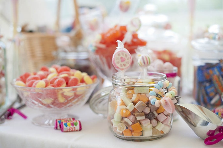 This traditional sweet table looks amazing! Retro 1950s kitsch wedding reception inspiration.