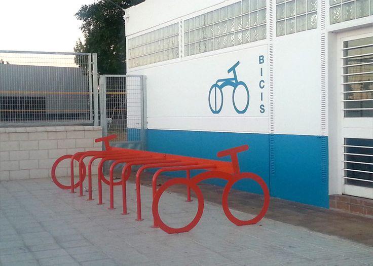 IRONLAND SPAIN - Mobiliario Urbano | Aparcabicis en Miajadas