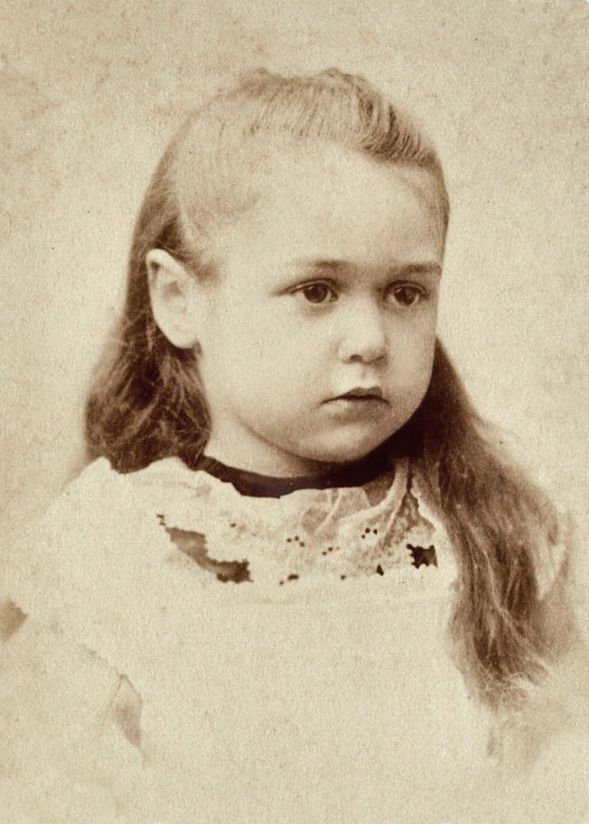 +~+~ Antique Photograph ~+~+   Young VIctorian girl.