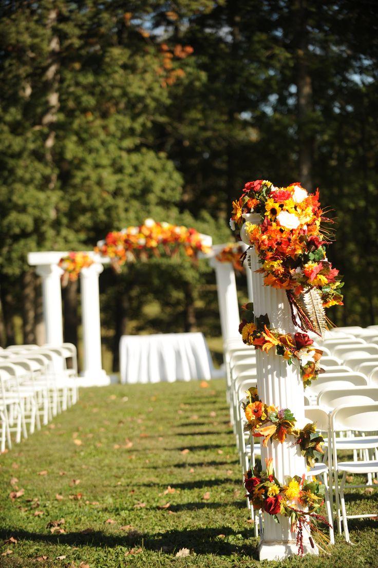 Outdoor Fall Wedding Als Venue Evansville In The Bauerhaus