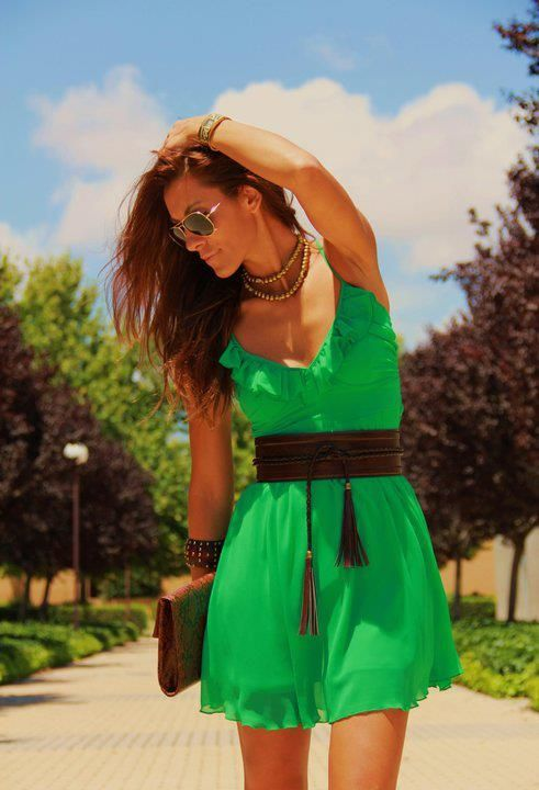 green #fashion #style! LOVE The color of this dress! Me want!