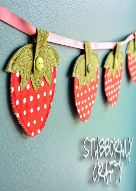 fabric straberry garland banner. strawberry shortcake party