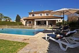 Villa à Sant Llorenç Des Cardassar qui possède 4 chambres et Capacité pour 8 personnes