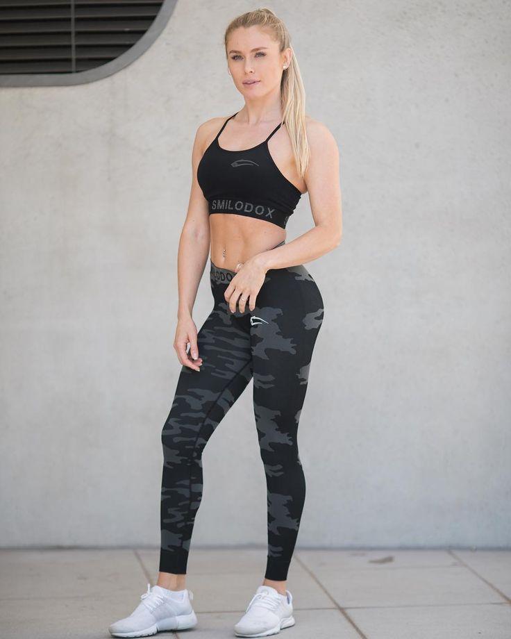 """734 Likes, 13 Comments - SMILODOX Women (@smilodoxwomen) on Instagram: """"Durch die dünnen Träger wirkt dein Rücken noch etwas muskulöser! 💪🏻 ➡️ Link zum Shop in der Bio!…"""""""
