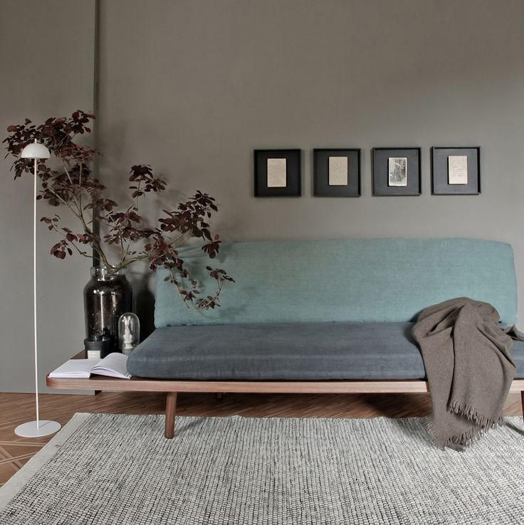 DILETTO is a sofabed – day bed made of veneered plywood with Canaletto walnut wood finish or black matt finish. The mattresses are coated either in pure linen 100% or cotton velvet with intense and delicate nuances. The extra long structure creates a useful bedside/coffee table.