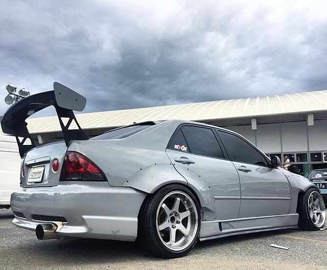 #Toyota #Altezza #Lexus #IS300 #Modified #V8 #WideBodyFlares #Fitment