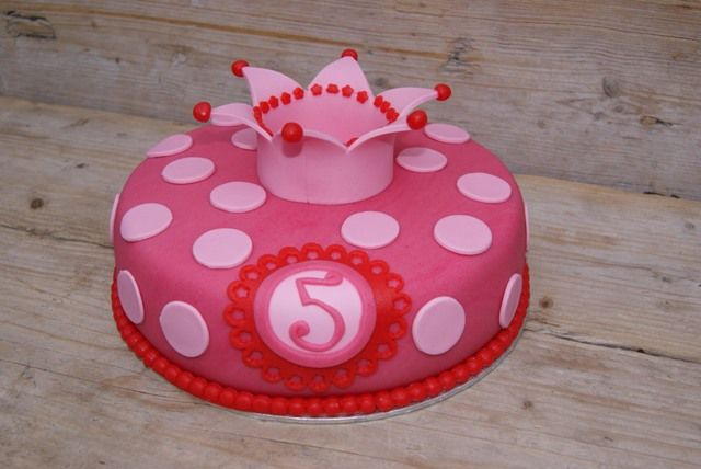 For Sophie's 5th birthday! A real princess ;-)