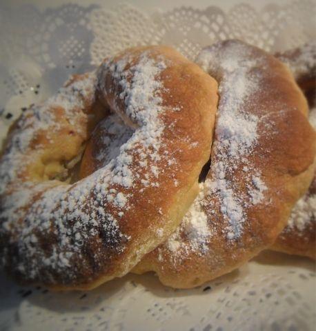 Tortel relleno de pasta de almendra  http://celiacos.blogspot.com.es/2012/01/tortel-relleno-de-pasta-de-almendra.html