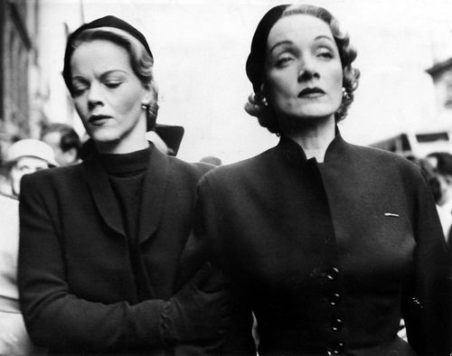 Amazing picture of Marlene Dietrich and daughter Maria Riva