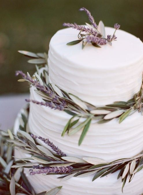 lavender wedding cake with pretty buttercream from once wed.