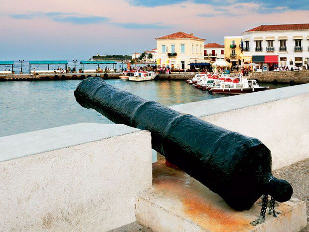 #Spetses, the most elegant island close to Athens and highly reccomended