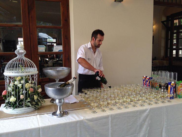 Welcoming table wedding ideas by islandevents.gr weddings in Naxos Greece