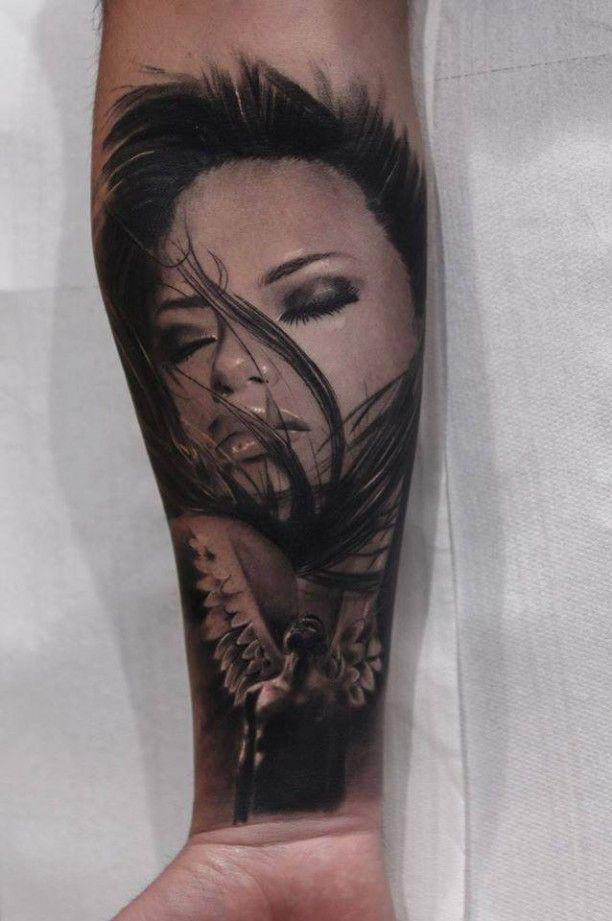 Unterarm Tattoo Engel mit Porträt