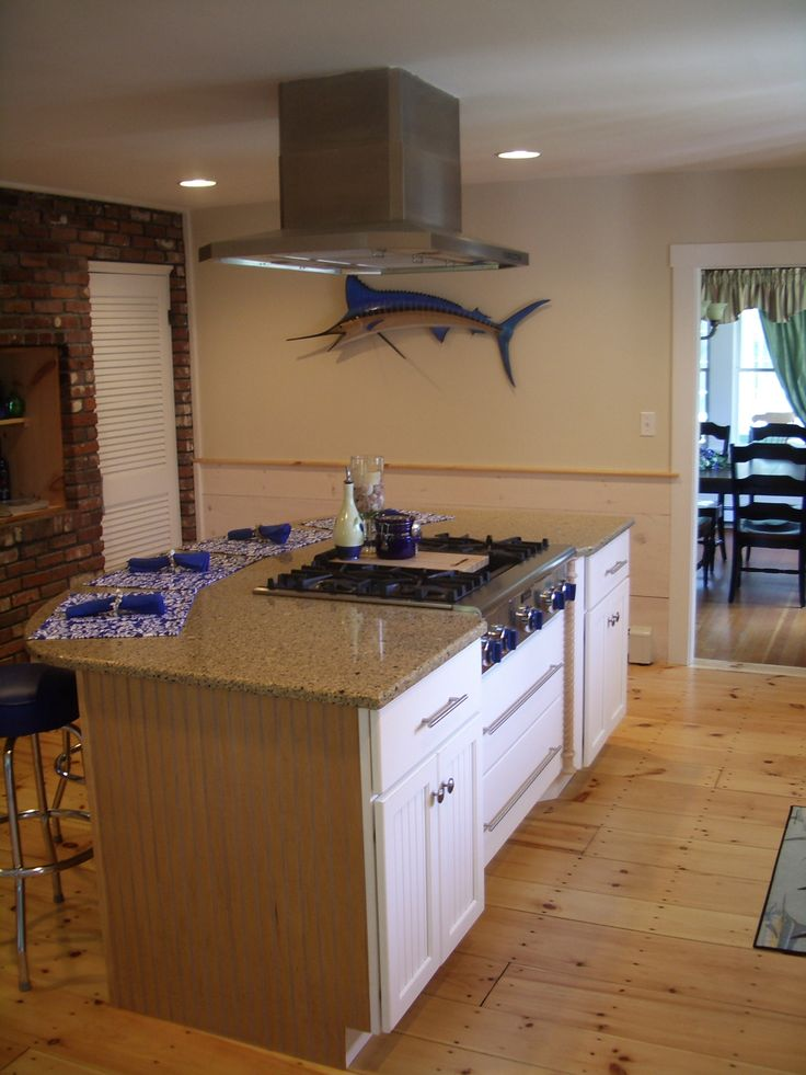 White Cabinets Painted Cabinets Pine Floors Island Kitchen Island Gas Cooktop