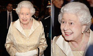 Queen attends Gold Service scholarship event to honour UK's best young waiting staff | Daily Mail Online