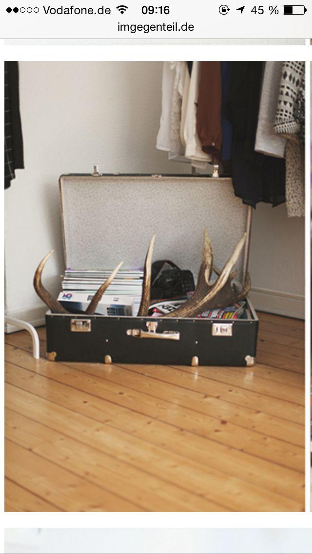 koffer als aufbewahrung leos zimmer pinterest. Black Bedroom Furniture Sets. Home Design Ideas