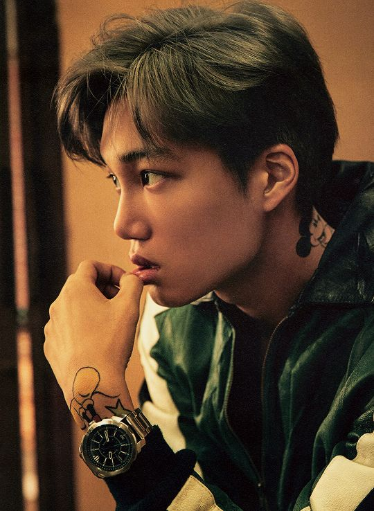 jongin for ᴅᴀᴢᴇᴅ korea  Okay, everybody be saying Kai's skin is too dark. like tf! His skin is beautiful! He is perfect in every other way and yet you judge him for the littlest things...