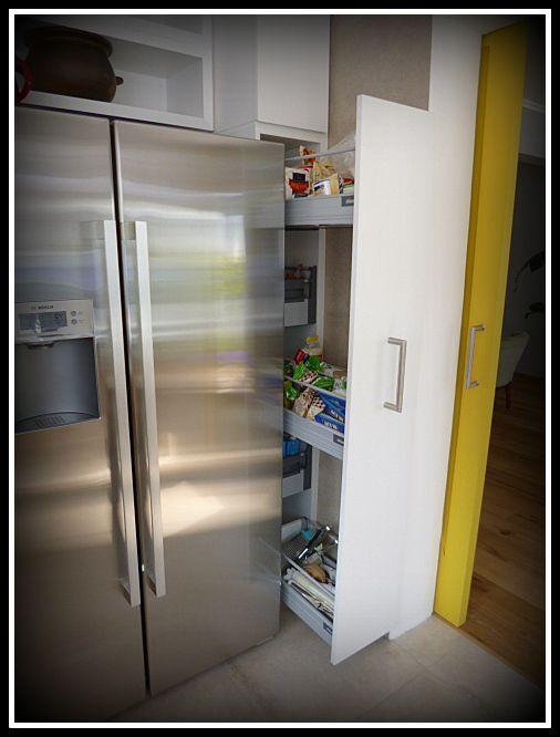Accesorio puerta que ayuda a ocupar espacios estrechos con una serie de cubiertas retráctiles.