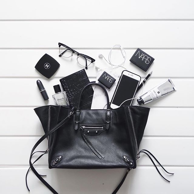 CHLOE | HOLLYWOOD @chloehollywood ✖️IMB✖️In my bag...Instagram photo | Websta (Webstagram)